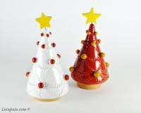 Albero di Natale da tavolo con addobbi