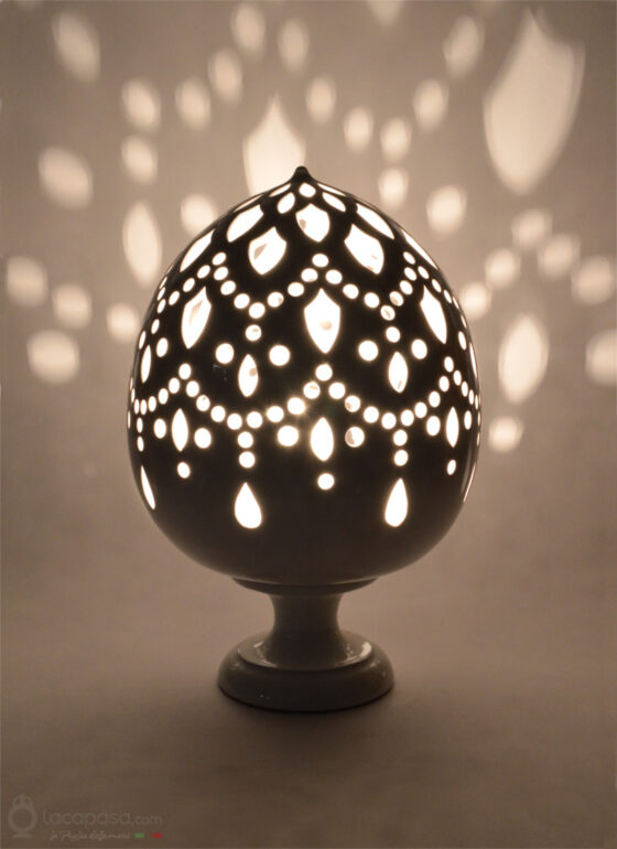 MELEAGRINA - Ceramic Pumo Lantern