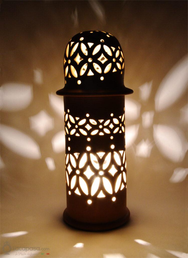 F107_lampada_minareto_terracotta_acceso