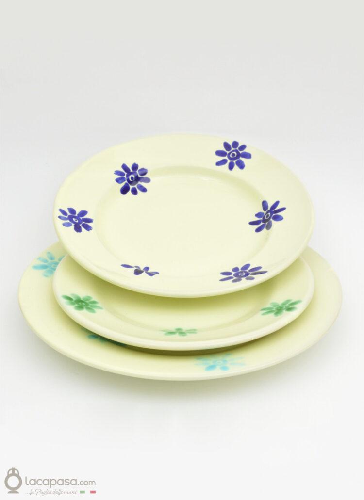 Servizio di Piatti in ceramica con firoi