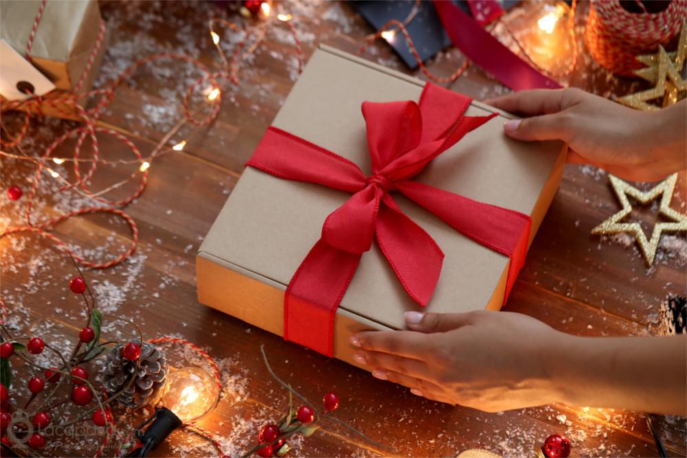 confezione regalo fiocco rosso